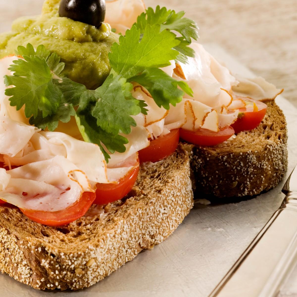 Sandwich Kipfilet Met Avocadomengsel