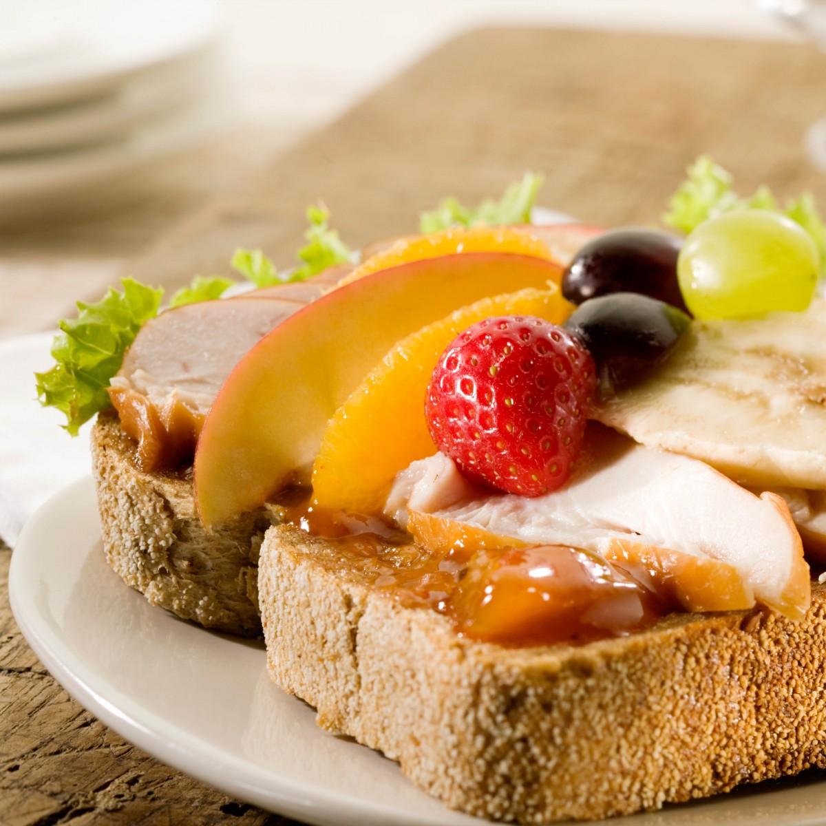 Sandwich Gerookte Kip Met Mangochutney