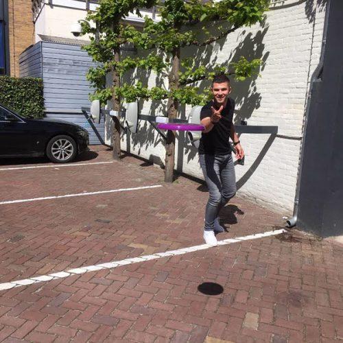 Potje Frisbee Op Werk