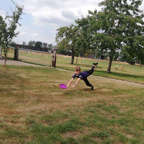 Spelen Met Frisbee